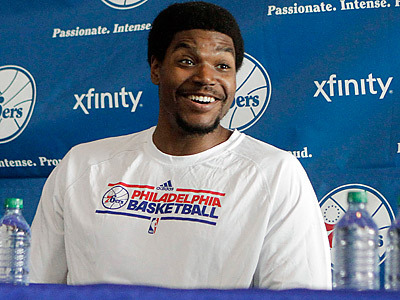 081512_bynum-sixers_400